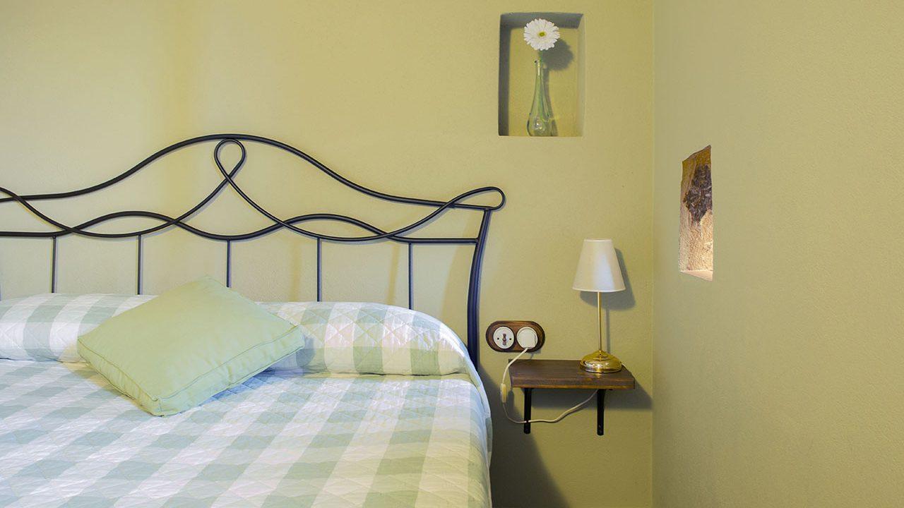 32-habitacio-doble-roure-apartament-santa-pau